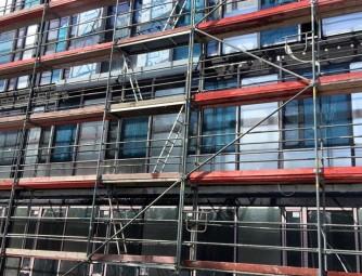badania zamontowanych okien na budowie